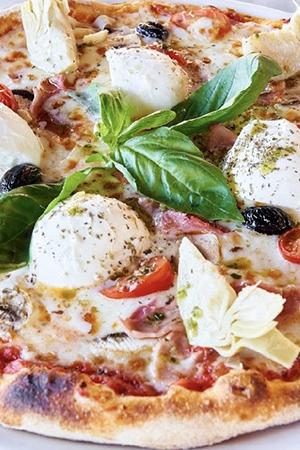 Pizza basilic, mozzarella et jambon