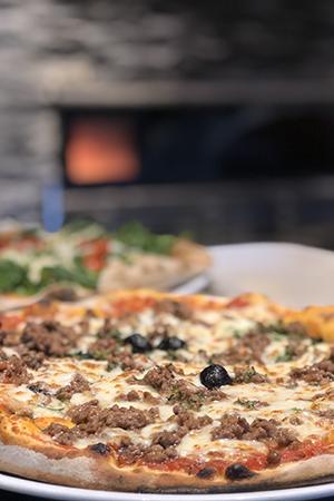 Pizzas bolognaise